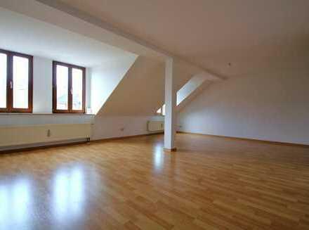 +++3-Raum im Dachgeschoss nah am Küchwald+++