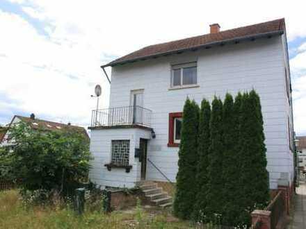 Abriss oder Umbau. Sanierungsbedürftiges Haus in guter Wohnlage.