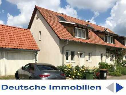 Attraktives Reihenendhaus mit wunderbarem Blick ins Elbtal! Einzelgarage, Keller, Dachstudio