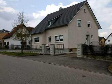 Gepflegte Wohnung mit 5 Zimmern und großem Garten in Burglengenfeld