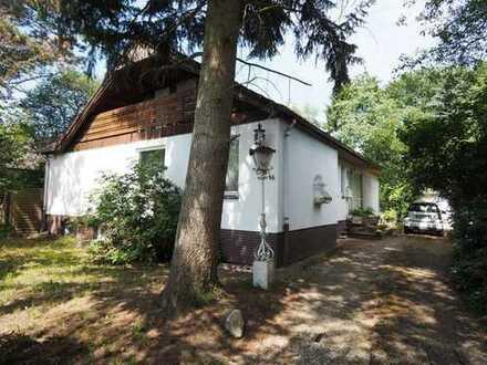 Einfamilienhaus mit großem Garten direkt am Niendorfer Gehege!