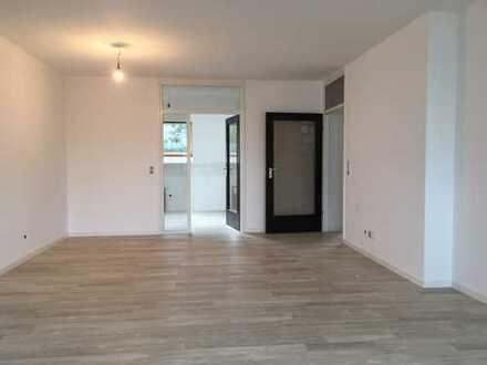 Attraktive 4-Zimmer-Maisonette-Wohnung mit Balkon in Bergisch Gladbach