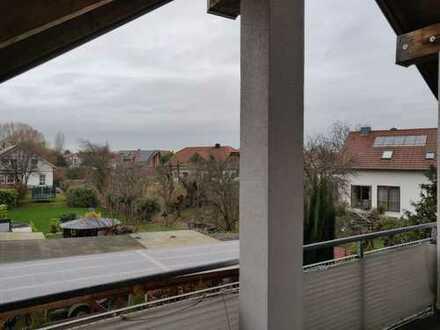 Großzüge Dachgeschosswohnung in exklusiver Lage
