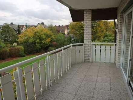 Herford - großzügige Wohnung mit Kachelofen und großem Balkon in stadtnaher Lage!
