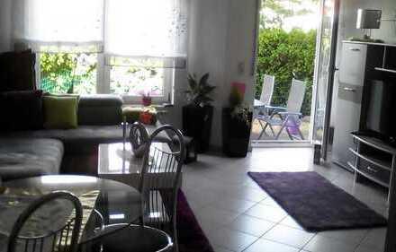 Gepflegte 2-Zimmer-Erdgeschosswohnung mit Terrasse und eigenem Garten und EBK in Pforzheim