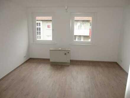 Singlewohnung zu vermieten! 2-Zimmer, Küche, Bad, Balkon - saniert 2017!