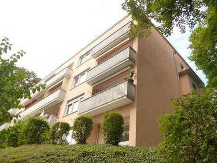 Oberhalb der Taunusstraße: NEU sanierte 2-Zimmerwohnung mit Terrasse