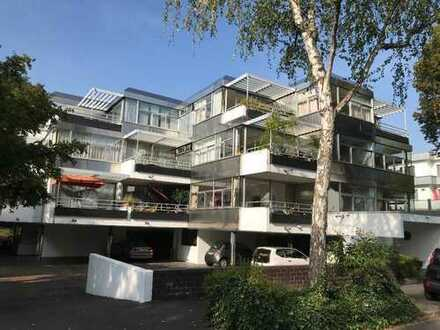 BAD GODESBERG / VILLENVIERTEL: Lichtdurchflutetes 4-Zimmer-Penthouse mit großer Dachterrasse
