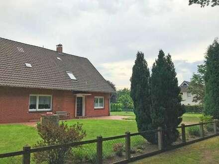 Doppelhaushälfte mit großem Gartenanteil in ruhiger Lage