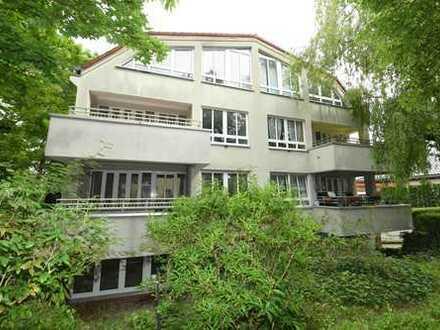 Vollständig renovierte 4-Zimmer-Wohnung mit Balkon und Einbauküche in Lankwitz (Steglitz), Berlin