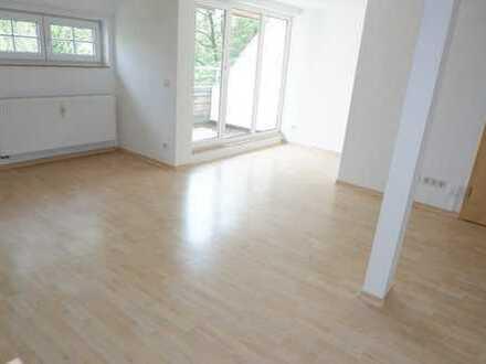 Wohnen über zwei Etagen am Heimgarten + Dachterrasse