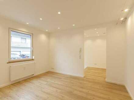 Brandneu: individuelle kleine 2-Zimmer-Wohnung im Zentrum - auch als Büro geeignet.