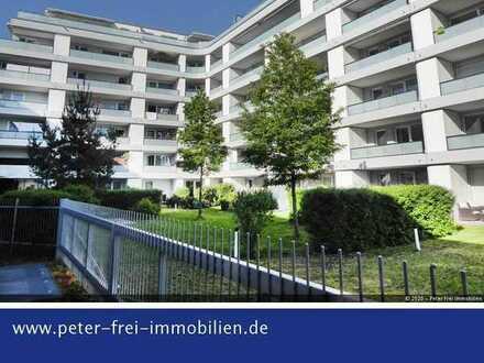 Neuwertige 3 Zimmer EG Wohnung mit Süd Terrasse in zentraler und ruhiger Lage