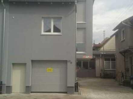 Schönes Haus mit drei Zimmern in Karlsruhe, Hagsfeld