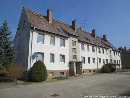 Achtung Anleger! Vermietetes 12-Familienwohnhaus mit 10 vermieteten Garagen