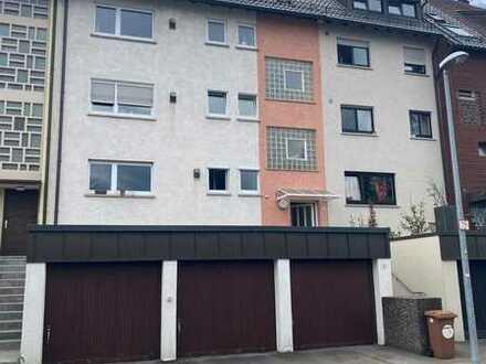Erstbezug nach Sanierung: schöne 2-Zimmer-Dachgeschosswohnung mit Einbauküche in Stuttgart