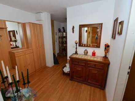 Gepflegte 3-Zimmer-Wohnung mit Balkon und EBK in Sindelfingen
