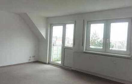 Schöne 2-Raum Dachgeschosswohnung mit Balkon