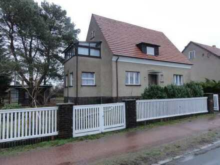 Solides Zweifamilienhaus (Bj.37) mit Werkstattgebäude & Gästehaus in bevorzugter Wohnlage !