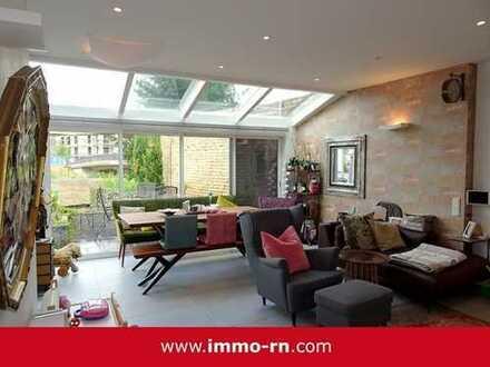 *** Einzigartiges Architektenhaus mit exklusiver Ausstattung, Terrasse Garten & Garage ***