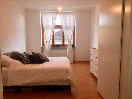 WG Zimmer in toller Altbauwohnung in der Au direkt an der Isar (Nov-Jun)