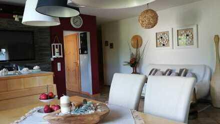 Gepflegte 5-Zimmer-Wohnung mit Balkon, 2 Bäder.