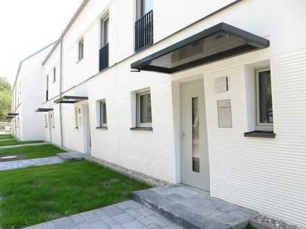 TRAUMHAFTES REIHENECKHAUS zur Miete, 134 m², 5 Zimmer, idyll. groß. Garten, KLADOW