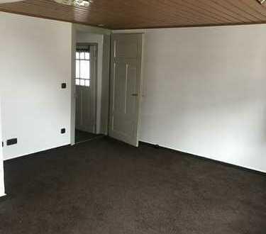 Renovierte 2-Zimmer-DG-Wohnung mit EBK in Pforzheim-Büchenbronn