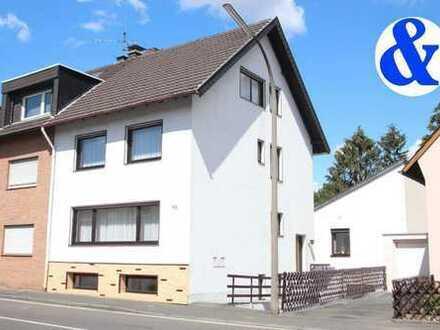 Zwei Häuser plus Unterstand für Motorräder, Fahrräder, .......