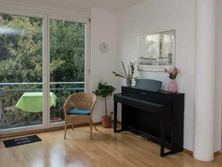 Stilvolle 3,5-Zimmer-Wohnung mit Balkon und Einbauküche in Reutlingen