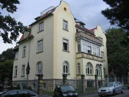 Helle 3 Raumwohnung im Hochparterre mit Loggia-Balkon und Stellplatz