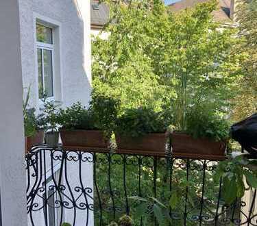 Haidhausen: Tausche wunderschöne Altbauwohnung (3 Zimmer, Balkon) gegen Single-Wohnung mit Balkon