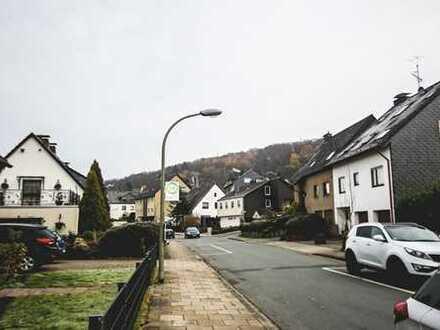 Hattingen Rosental: Attrraktive 3 Zimmer-Wohnung mit Parkettboden in bevorzugter Lage am Wald