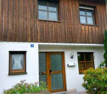 Reihenmittelhaus mit Garage in Ettringen Ost