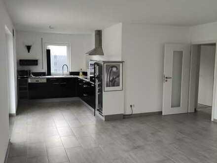 Neuwertige 3-Zimmer-Wohnung mit Terrasse und Garten in Geisenfeld