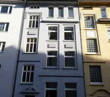 Kreuzviertel!!! Aufwendig sanierte helle, ruhige 3 ZKDB, Balkon Wohnung