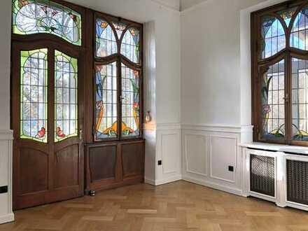 5- Zimmer Altbauwohnung in seltener Lage am Neckarufer von Heidelberg-Neuenheim