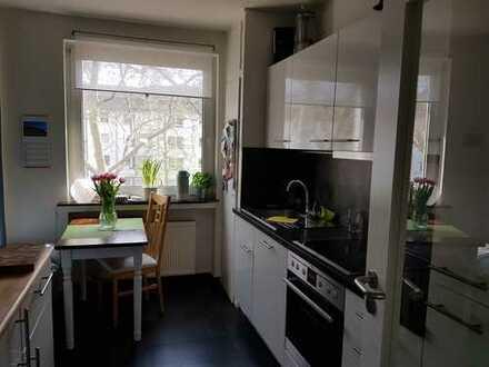 3-Zimmer-Wohnung mit sonniger Dachterrasse und EBK in Ehrenfeld
