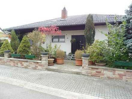 Webenheim: Solide Kapitalanlage, evtl. spätere Eigennutzung, vermietetes Zweifamilienhaus