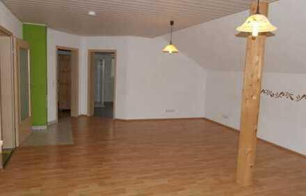 Gepflegte 2-Zimmer-DG-Wohnung mit EBK in Mosbach (OT Lohrbach), ca. 86m²