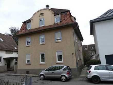 ES-Oberesslingen: Dreifamilienhaus gut vermietet und frisch saniert / erweiterbar zum 4-FH