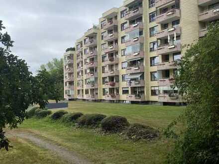 Attraktive 3,5-Zimmer-Hochparterre-Wohnung mit Balkon in Pforzheim Sonnenhof