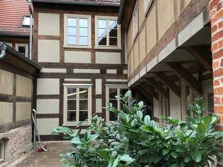 Atelier-Wohnung mit Terrasse und separatem Büro, zentral in Nauener Innenstadt