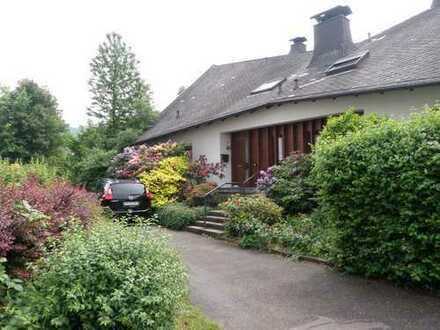 Schöne, geräumige Doppelhaushälfte mit fünf Zimmern in Bühl