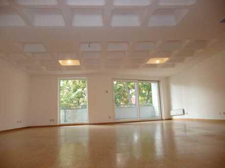 3-Zimmer-Dachterrassenwohnung für Zwei (mit Lift) in Nürnberg-Nordstadt-nordöstliches Burgviertel