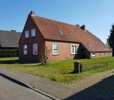 Attraktives Einfamilienhaus mit fünf Zimmern und EBK in Papenburg, Papenburg