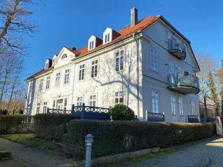 Attraktive Dachgeschosswohnung mit Galerie im sanierten Herrenhaus!