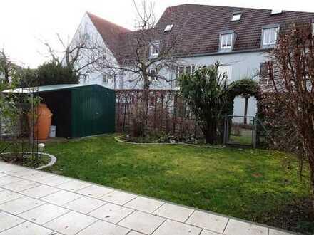 Wunderschöne sonnige EG 4-Zi-Wohnung (100qm) mit herrlichem Parkettboden + eigenem Garten + Terrasse