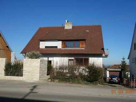 Doppelhaushälfte - renovierungsbedürftig -