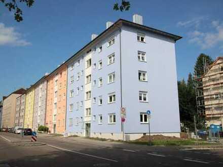 Kapitalanleger aufgepasst! Modernisierte, vermietete 4-Zimmer ETW in zentraler Lage in Neu-Ulm